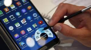 Smartphone 'irresistibile', uomini più dipendenti di donne