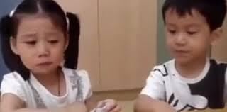 """""""Ti proteggerò io"""": il video del bimbo dell'asilo tenero con l'amichetta"""
