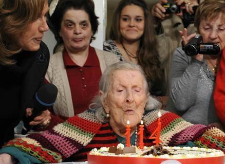 Emma grande nonnina: 114 anni e 253 giorni, l'italiana più anziana di sempre