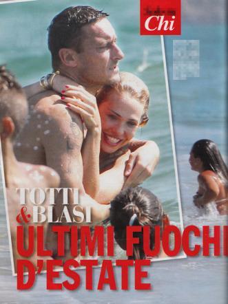 Ilary blasi e francesco totti quale crisi baci e abbracci al mare ladyblitz - Giochi di baci in bagno ...