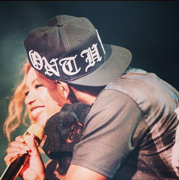 Beyoncé e Jay-Z, baci sul palco frenano l'ipotesi divorzio (foto)