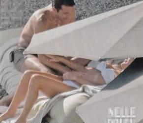 Gigi Buffon e Ilaria D'Amico: figlio in arrivo? Lui le accarezza la pancia (foto)