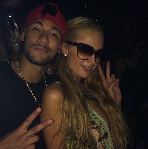 Neymar e Paris Hilton, insieme in una discoteca di Ibiza (foto)