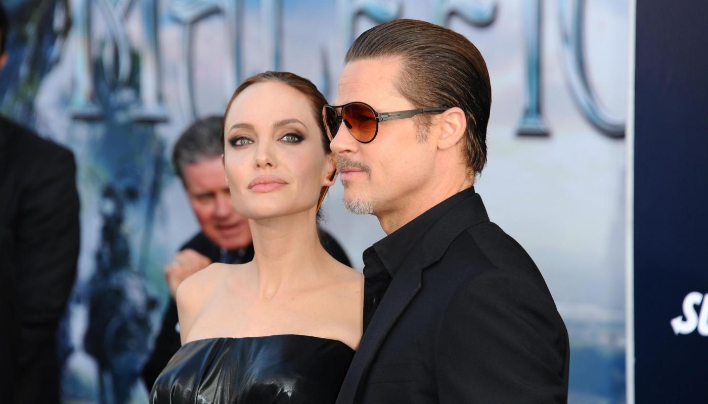"""Angelina Jolie rivela: """"Io e Brad ci siamo scritti lettere d'amore"""""""