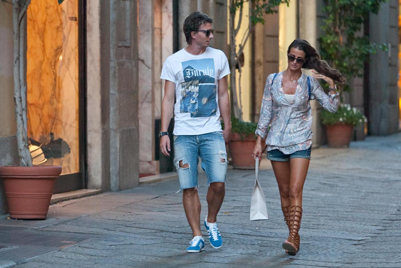 Riccardo Montolivo e Cristina De Pin fanno shopping insieme e sognano un figlio06
