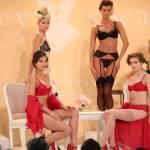 Britney Spears presenta la sua linea di lingerie4