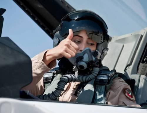 Mariam, la donna pilota araba che bombarda guerriglieri Isis