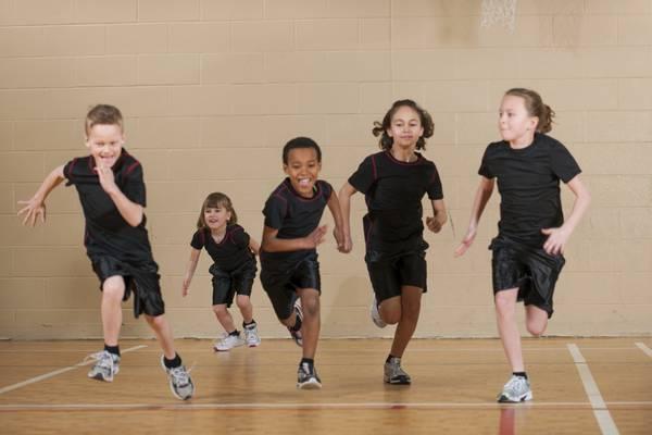 Bambini iperattivi, ginnastica al mattino li calma
