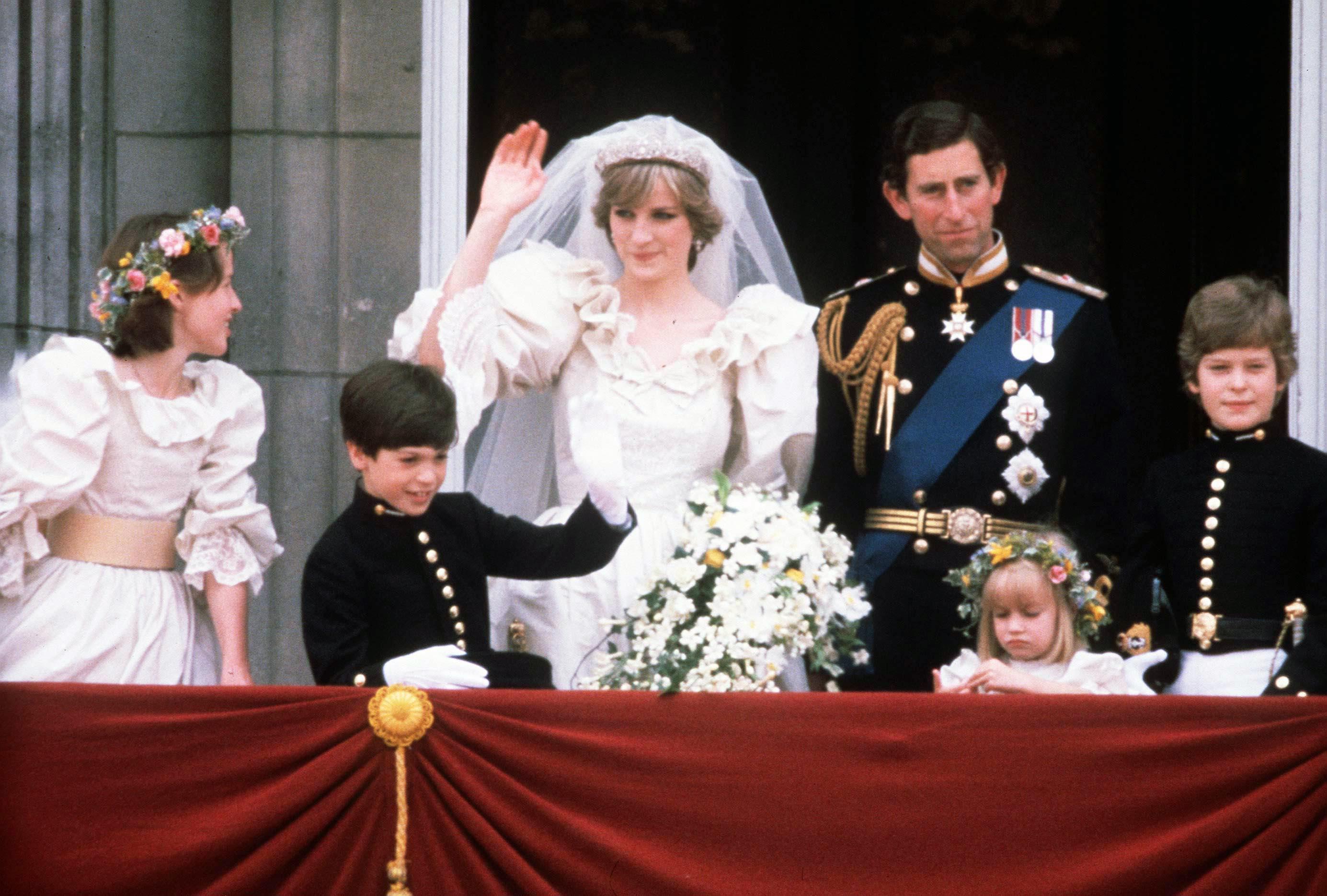 Lady Diana: il suo abito da sposa torna ai figli. Così decise la principessa