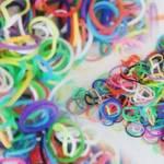 Rainbow Loom, il braccialetto elastico mania per figli e genitori08