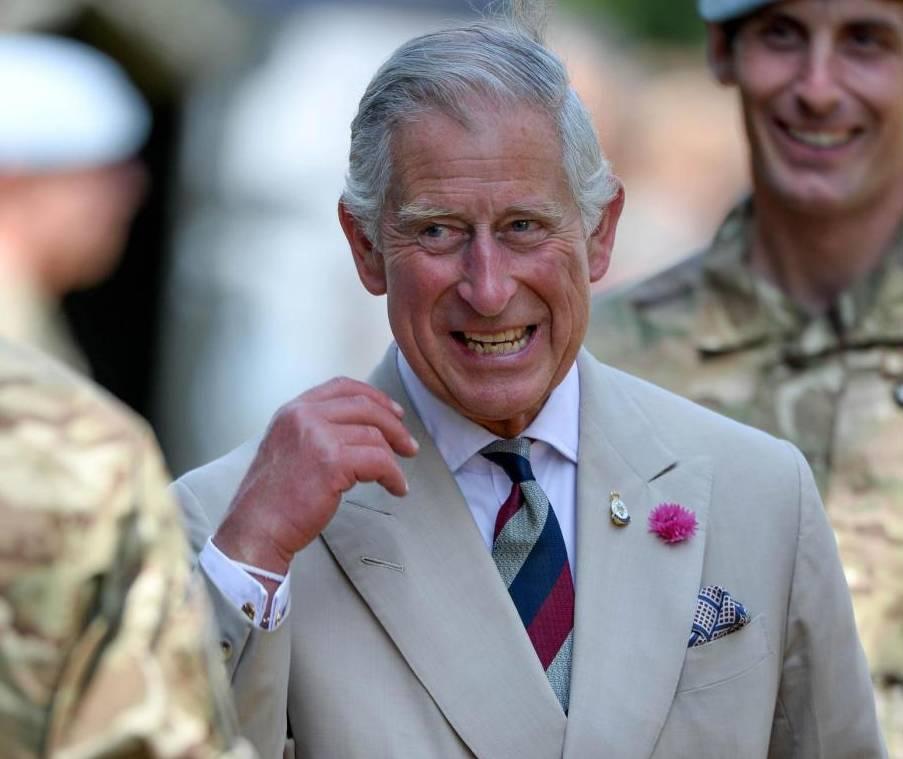 """Il principe Carlo promuove la dieta vegana: """"Rinuncio ai latticini una volta a settimana"""""""