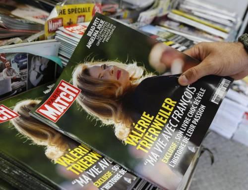 "Valérie Trierweiler choc: ""Francois Hollande mi tempesta di sms d'amore"""