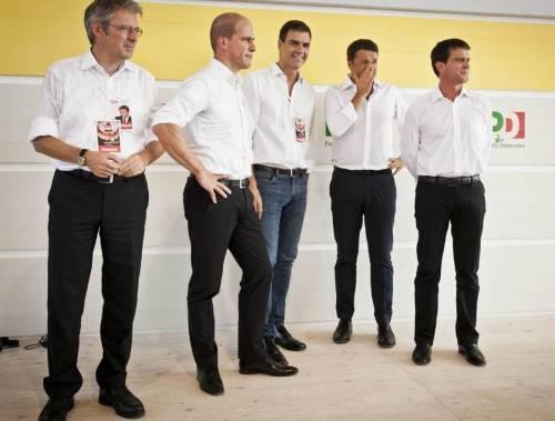 Matteo Renzi (e gli altri) e le maniche di camicia bianca della rivoluzione