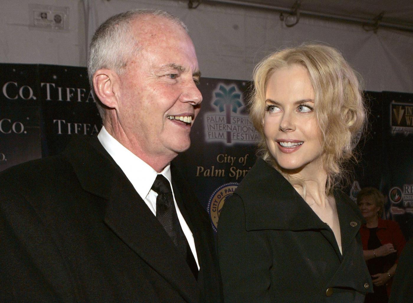 """Nicole Kidman: """"sotto shock"""" per la morte del padre, caduto da un balcone"""