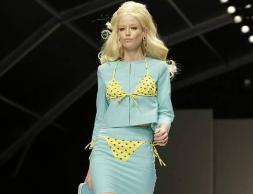 MFW: Moschino celebra la donna Barbie (FOTO e VIDEO)