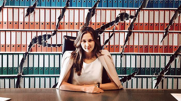 "Maria Baibakova, figlia magnate russo: ""Mai mangiare insieme alla servitù"""