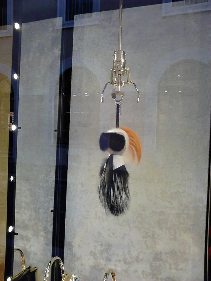 Karlito Fendi: il mini Karl Lagerfeld di peluche da 1200 euro (FOTO)