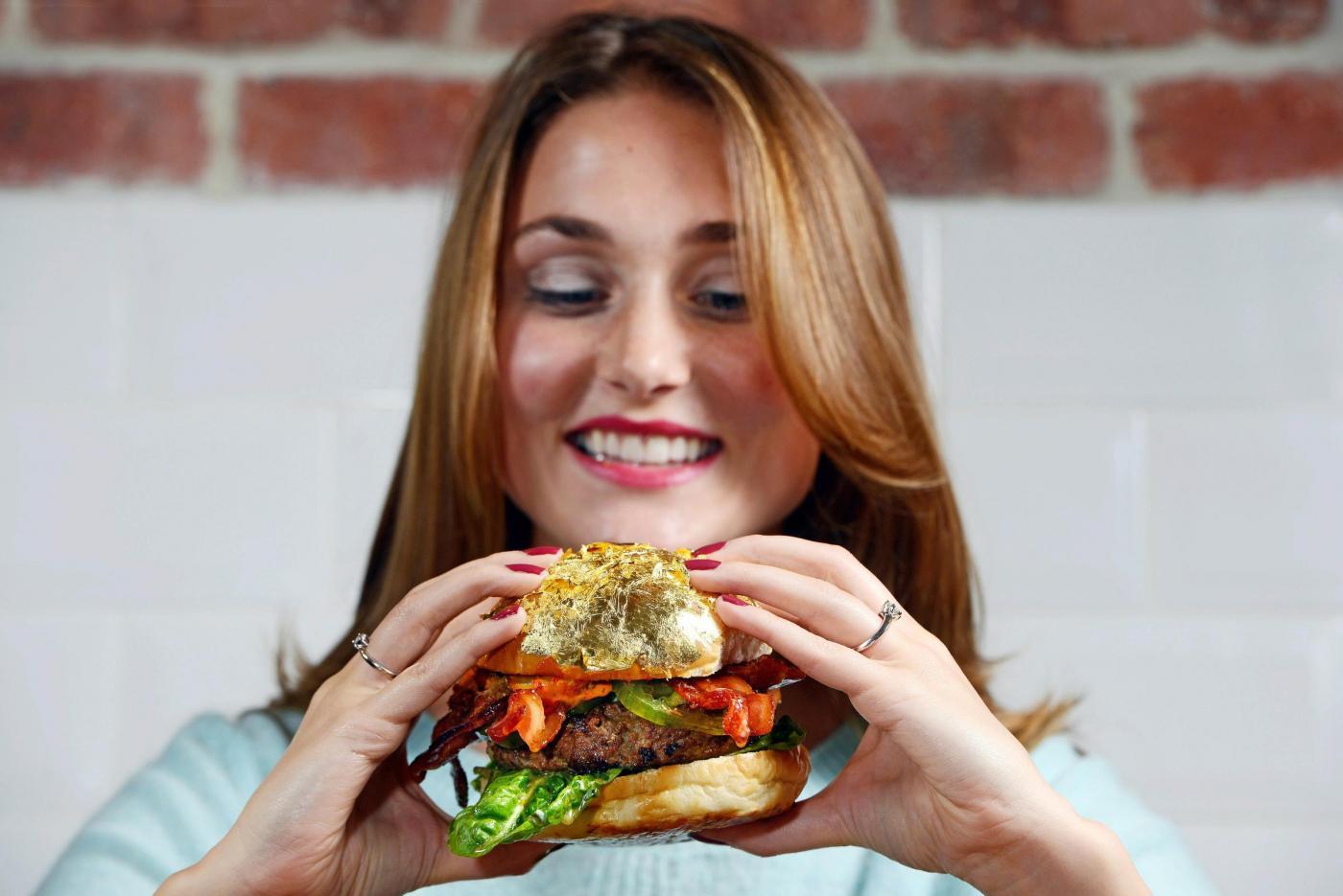 Glamburger, l'hamburger da 1400 euro è il più costoso del mondo05