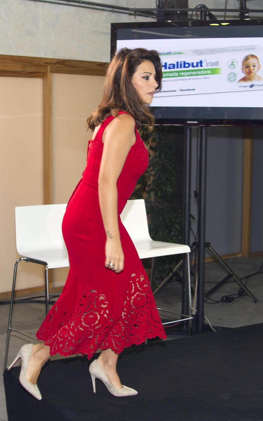 Monica Cruz, la sorella di Penelope presenta la linea di cosmetici Halibut03