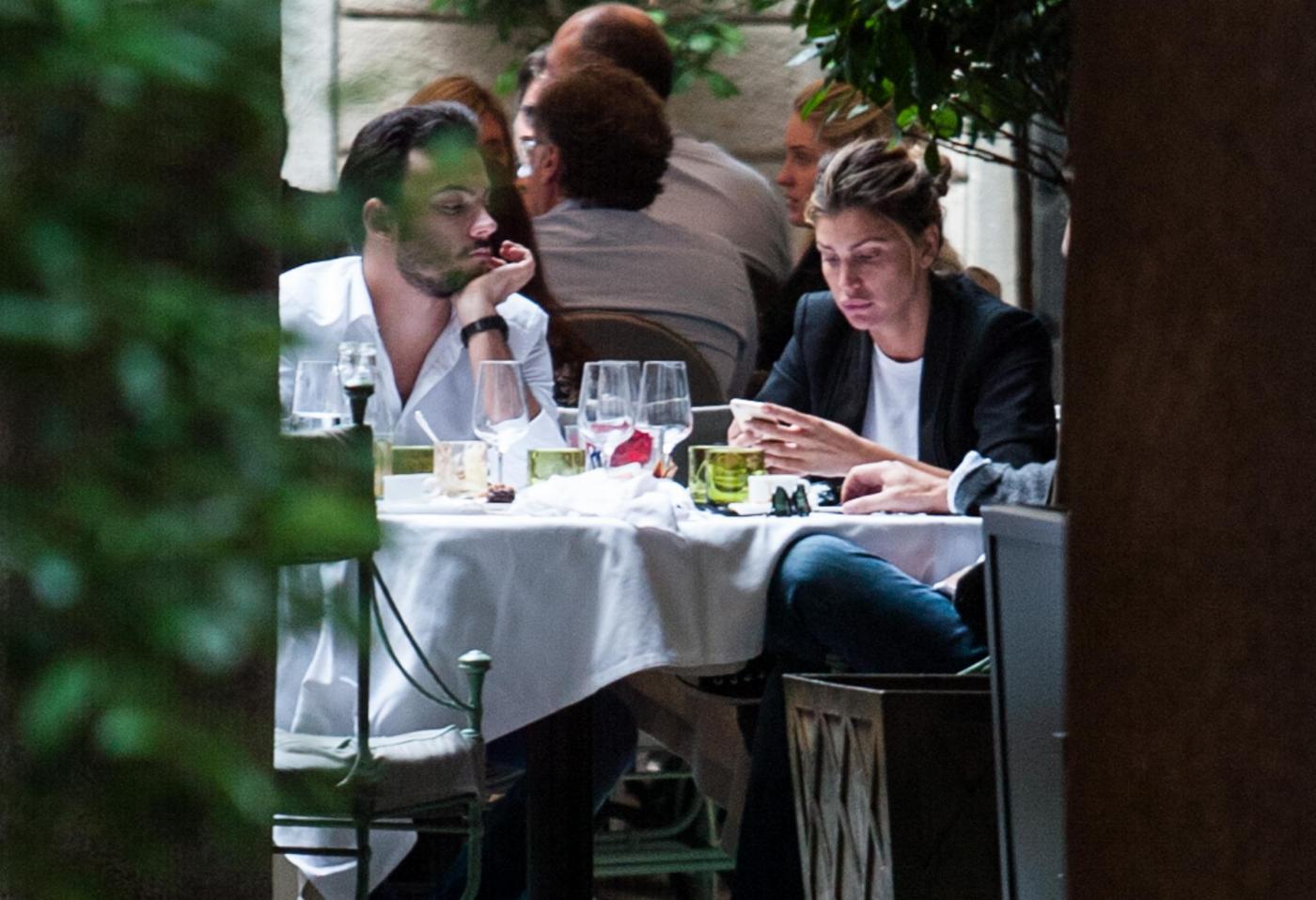 Claudia Galanti pranza a Milano con Tommaso Buti: con loro Raffaella Zardo FOTO19