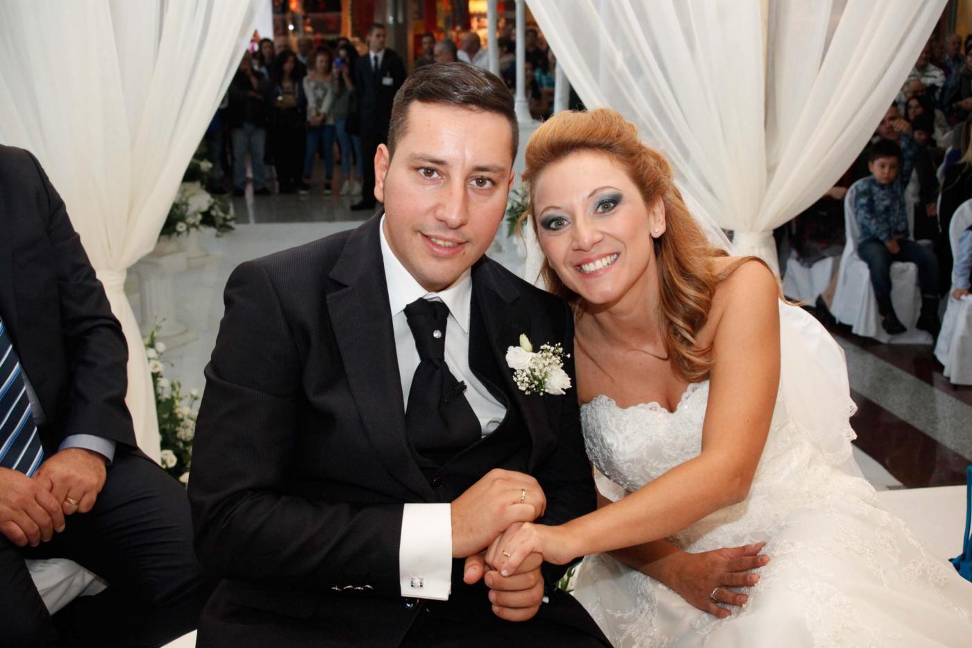 Si sposano nel centro commerciale del primo incontro: è la prima volta in Italia01