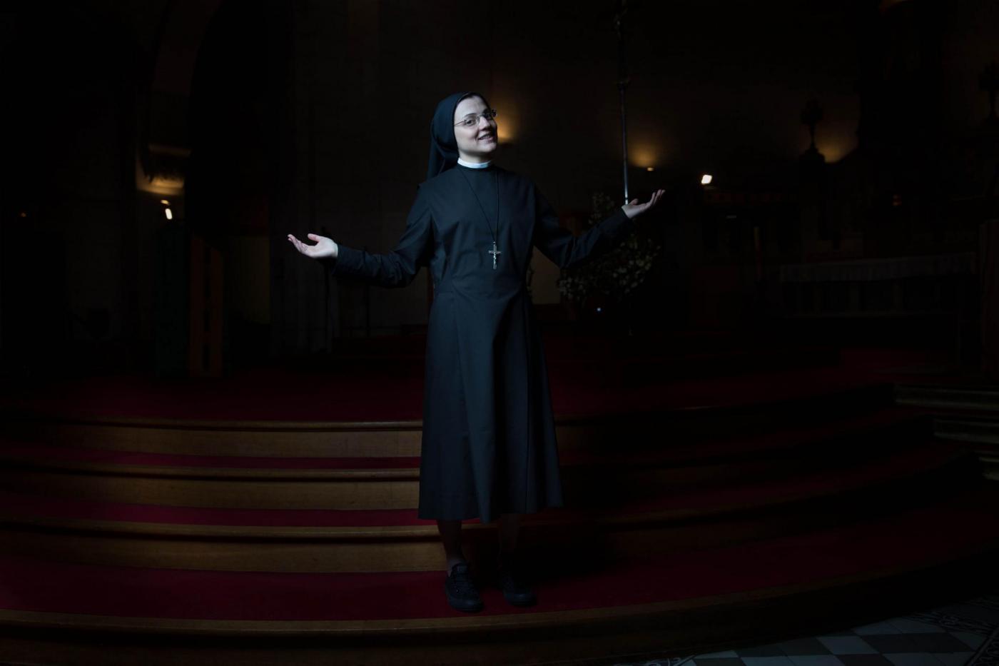 """Suor Cristina Scuccia canta """"Like a Virgin"""": Madonna apprezza: """"Sister for Life!""""04"""