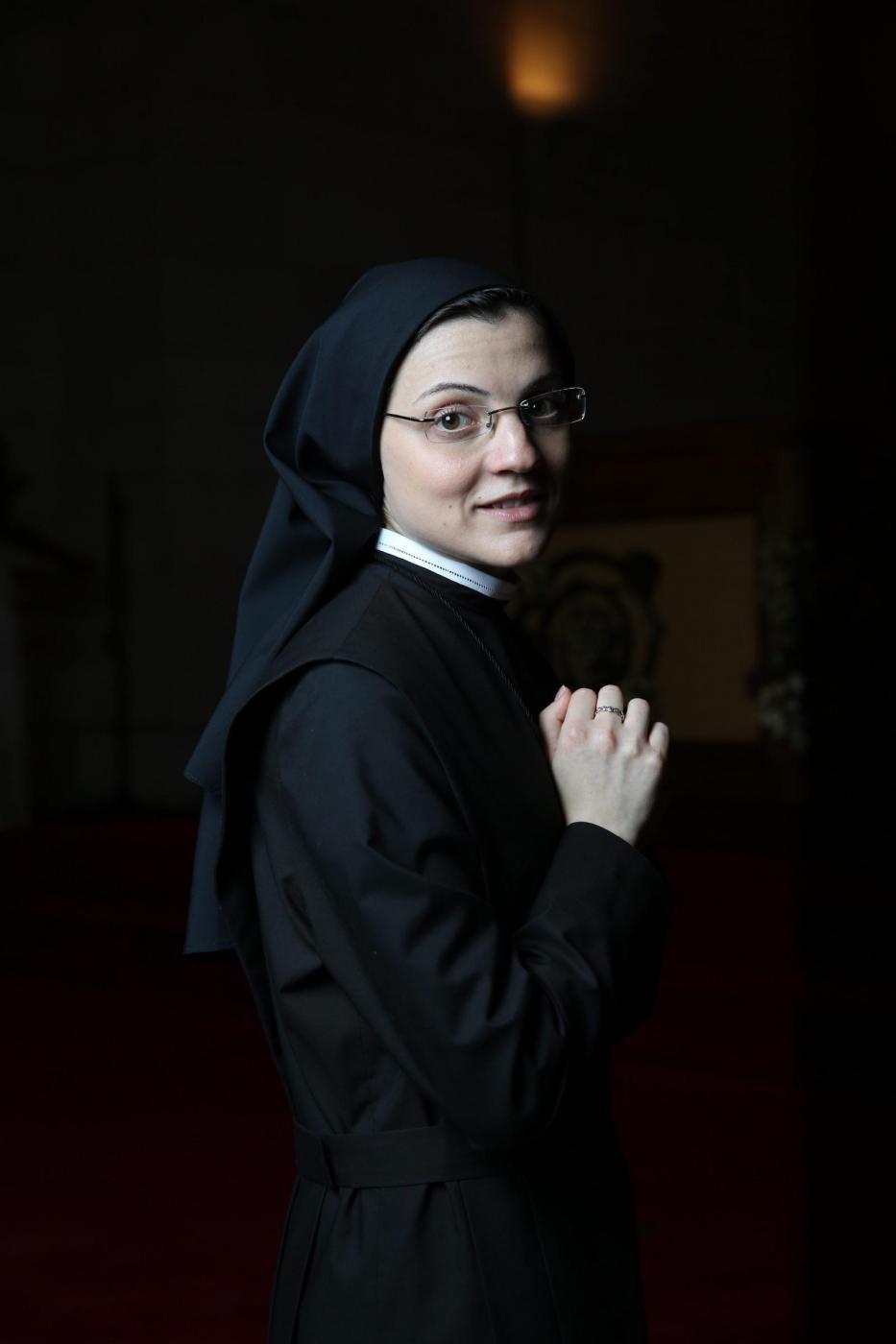 """Suor Cristina Scuccia canta """"Like a Virgin"""": Madonna apprezza: """"Sister for Life!""""02"""