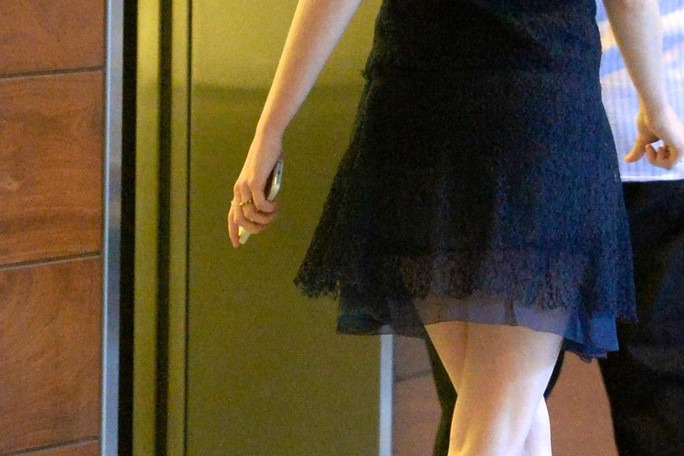Emma Stone con al dito un misterioso anello14
