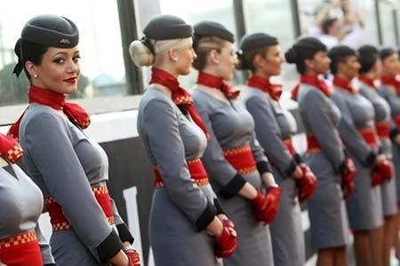 Etihad Airways cerca hostess e steward: ecco la selezione durissima