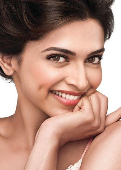 """India: star di Bollywood contro i giornali: """"sono maschilisti"""""""