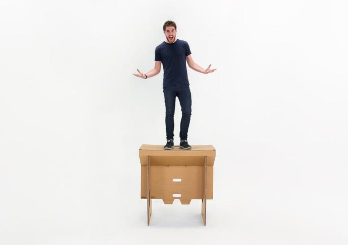 """""""Refold"""": la scrivania portatile che si trasporta come una valigia"""