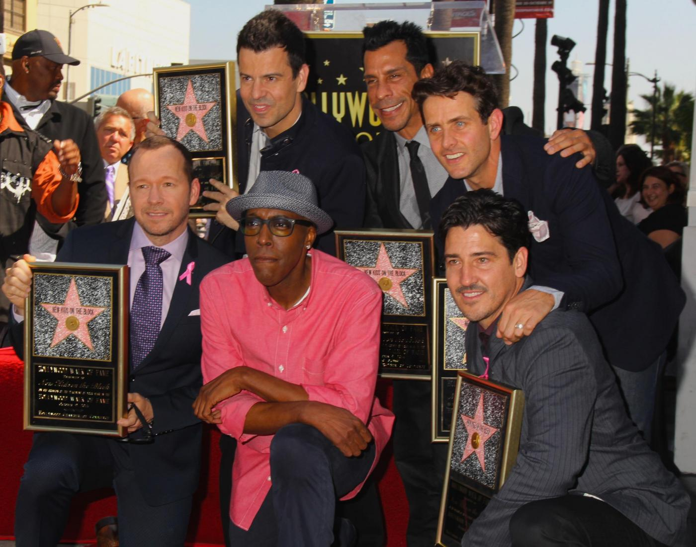 New Kids on the Block nella Walf of Fame di Hollywood Boulevard02