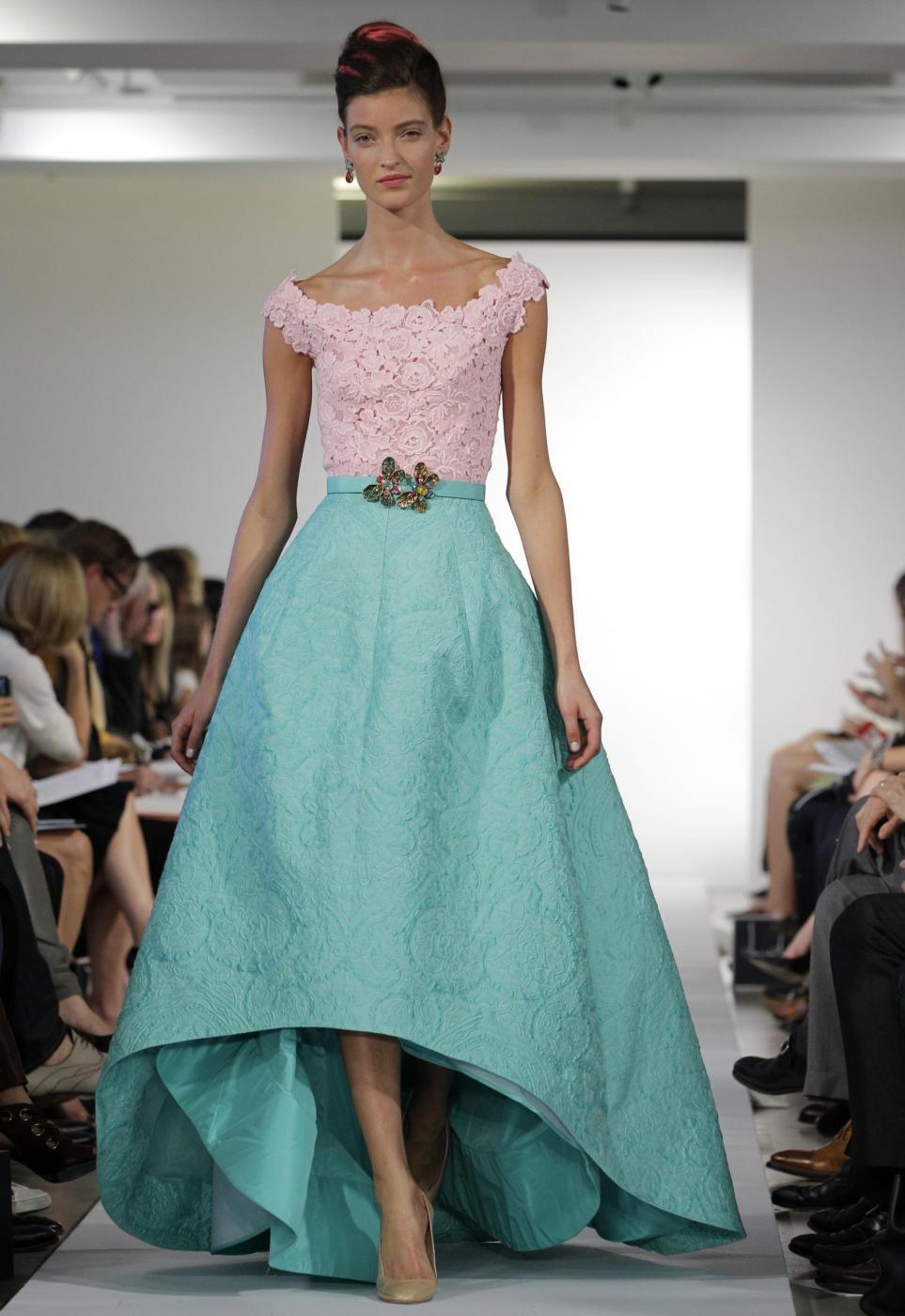 Oscar De la Renta: 32 abiti dello stilista che ha fatto la storia