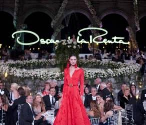Oscar De la Renta: 34 abiti dello stilista che ha fatto la storia