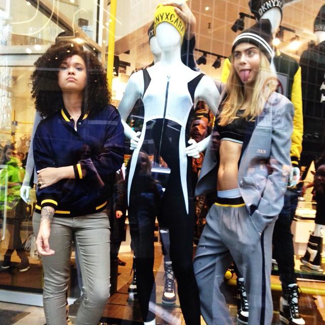 Cara Delevingne versione stilista: lancia una linea per DKNY (FOTO)