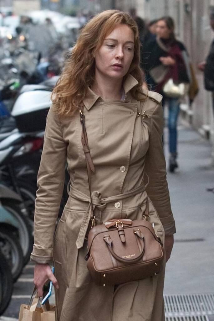 Cristiana capotondi shopping a milano con un 39 amica foto - Dove portare una ragazza a milano di pomeriggio ...
