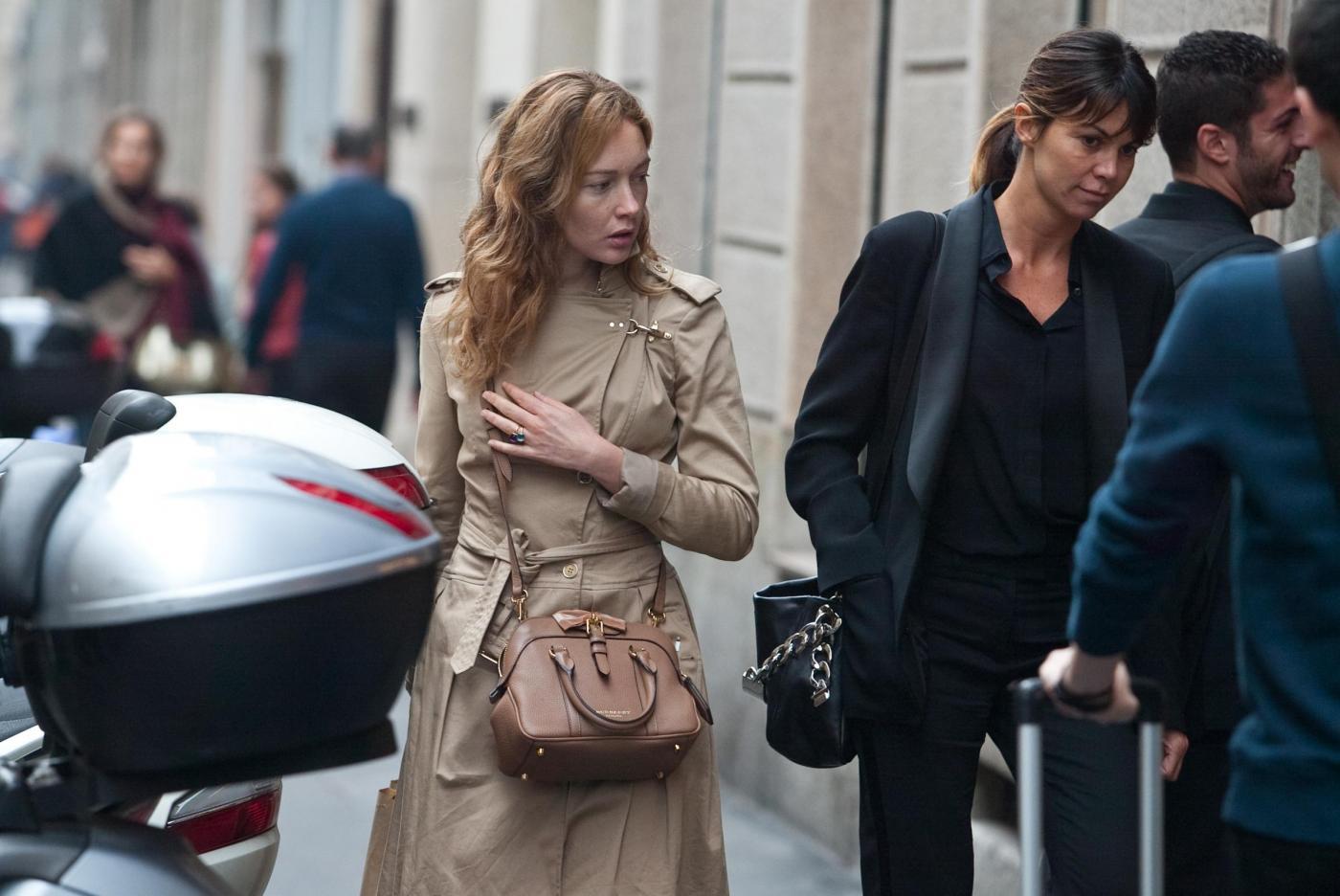 Cristiana Capotondi, shopping a Milano per la ragazza della porta accanto05