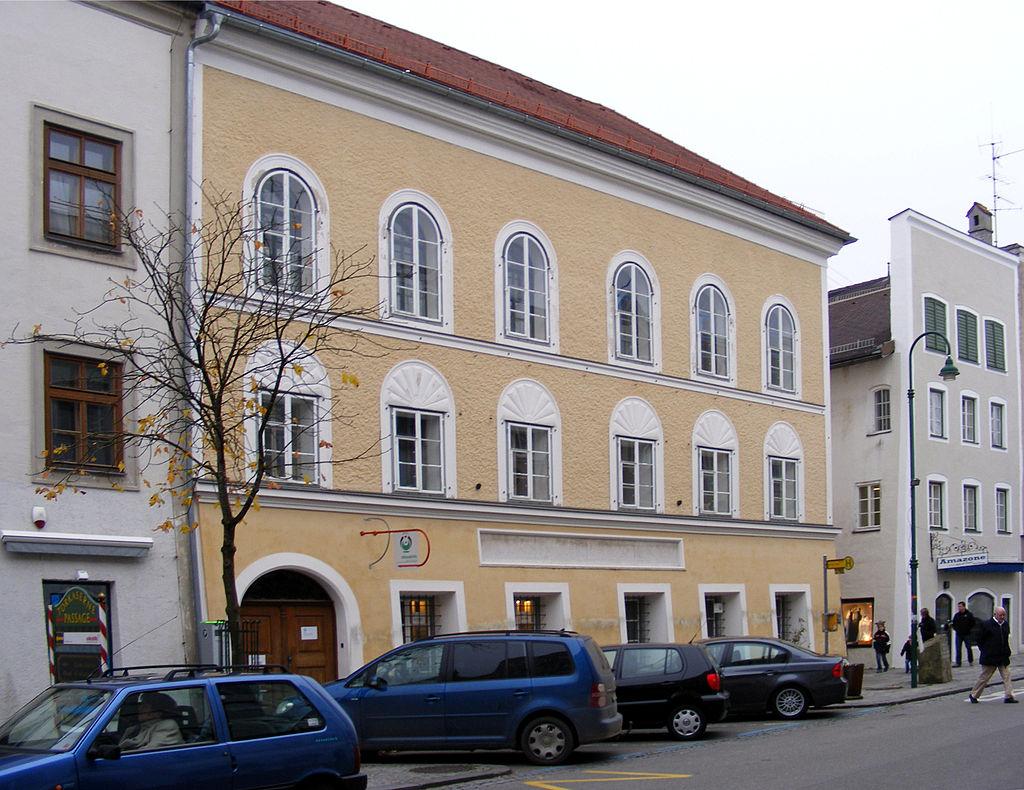 Affittasi casa di Adolf Hitler: 4.600 euro al mese, ma nessuno la vuole