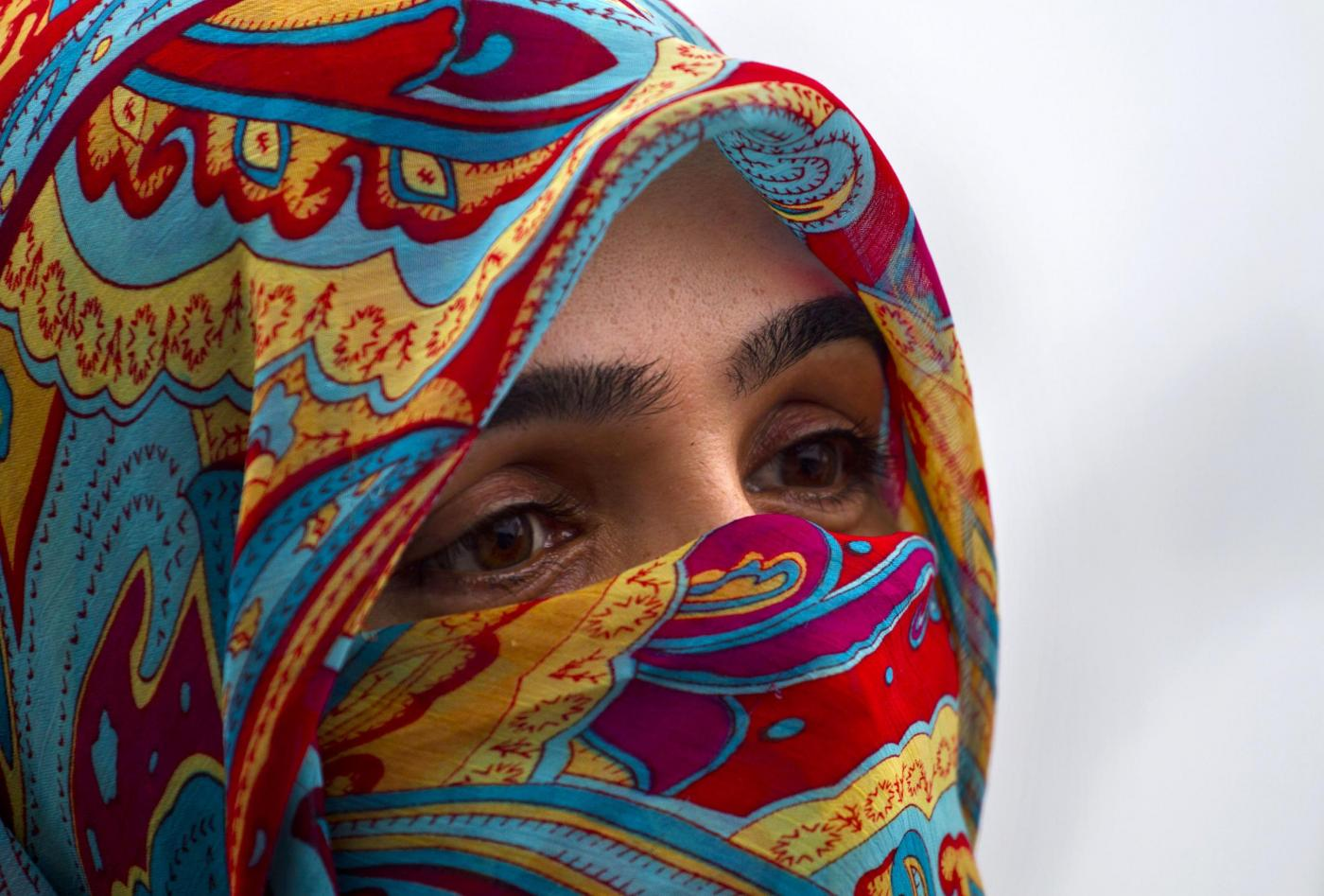 """Donne saudite: hanno la """"pelle più sana e bella al mondo"""". Merito anche del velo"""