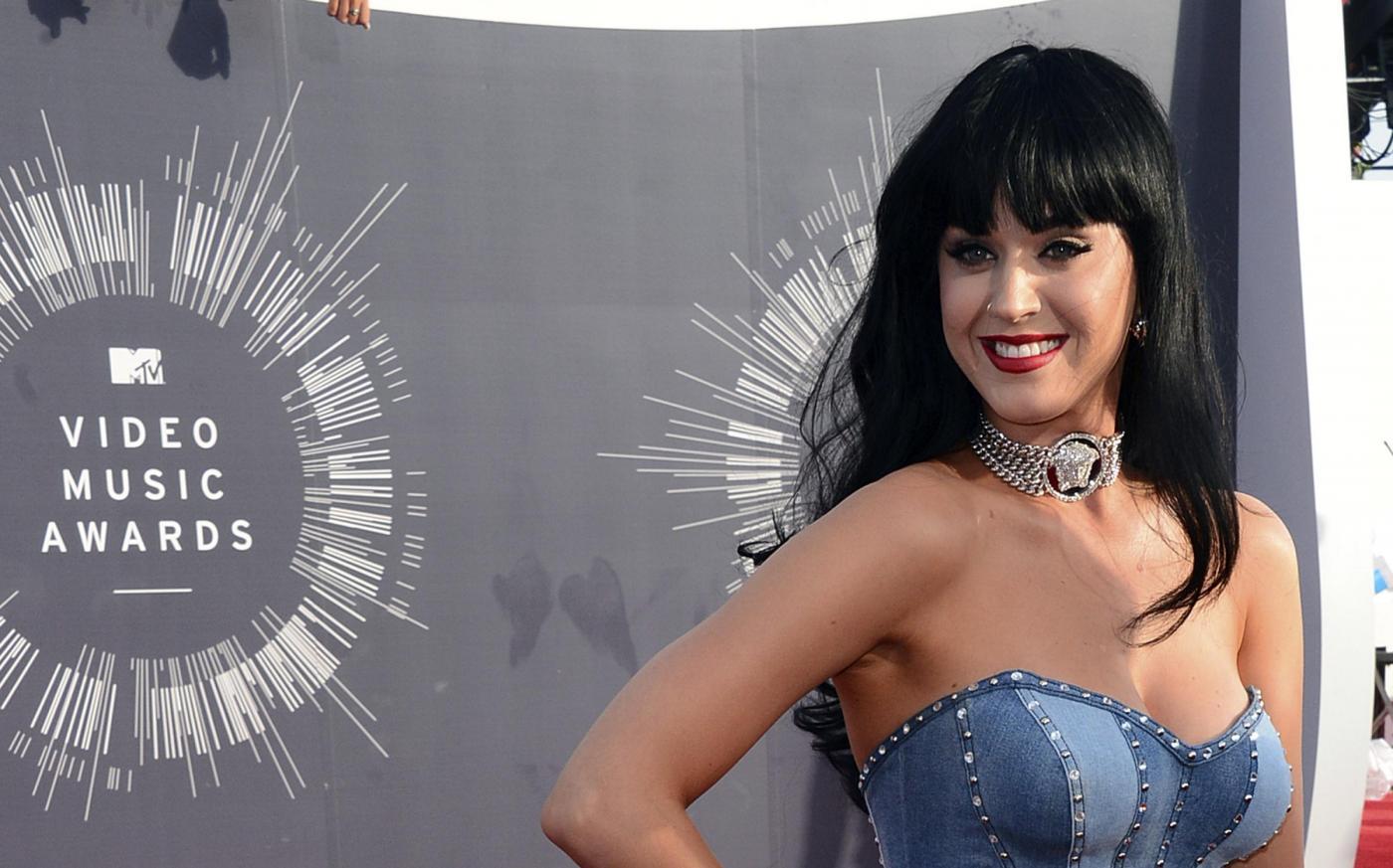 Katy Perry è la regina di Twitter, supera anche Barack Obama