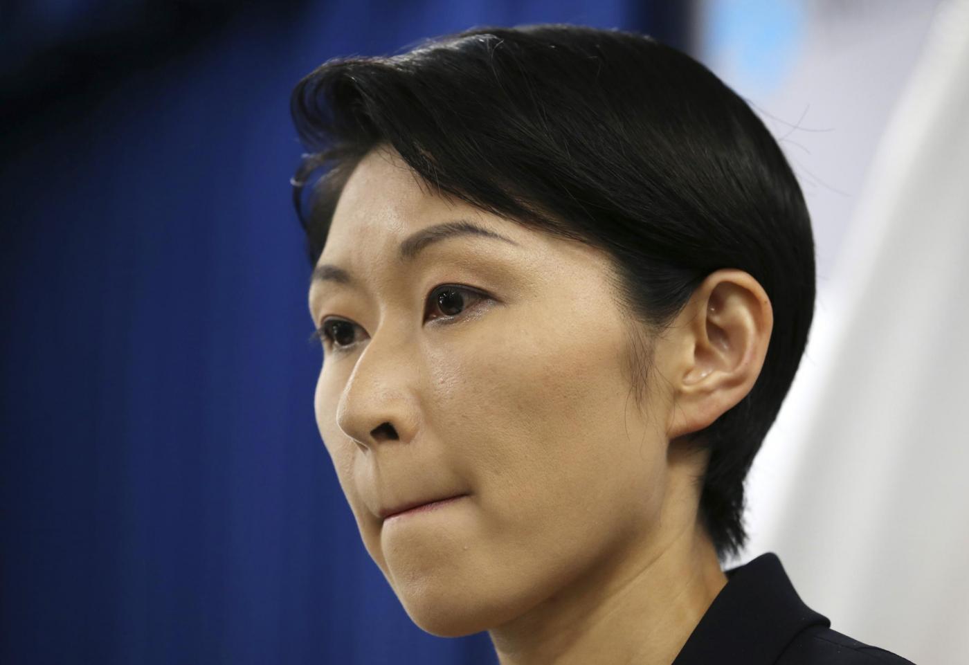 Yuko Obuchi, ministra giapponese nei guai per 75mila euro spesi in cosmetici