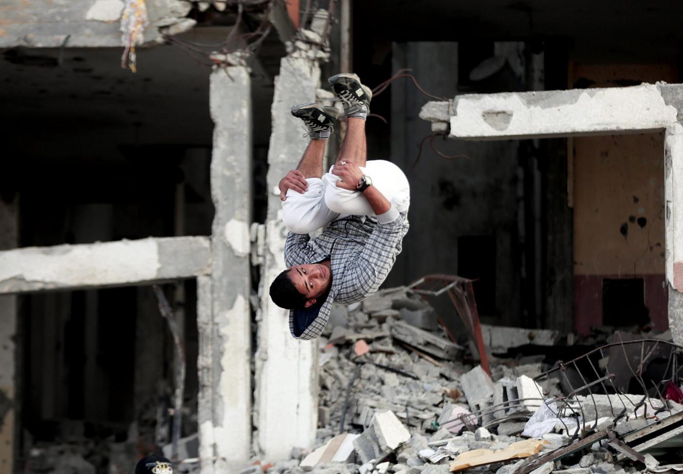 Parkour tra le macerie di Gaza City04