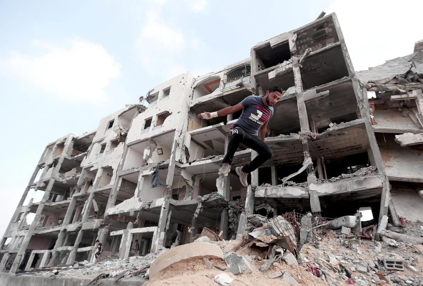 Parkour tra le macerie di Gaza City03