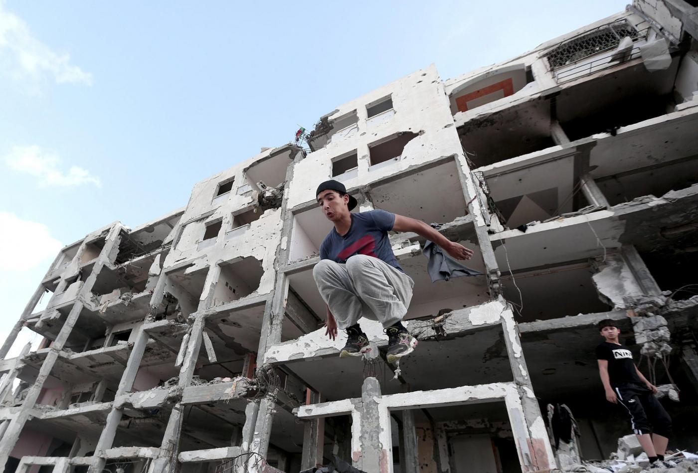 Parkour tra le macerie di Gaza City02
