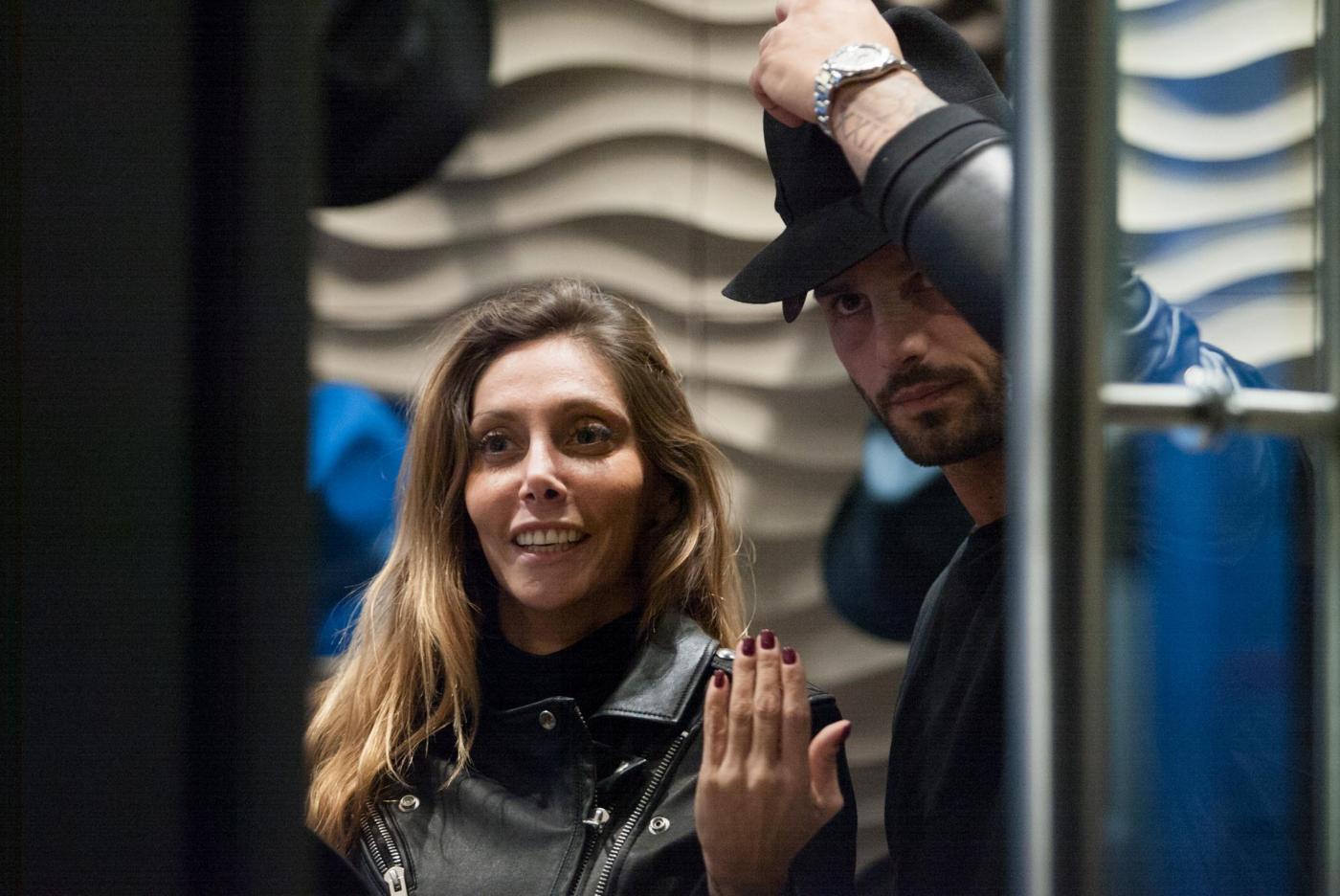 Alessio Lopasso e Roberta Bonfanti travolti dalla passione durante lo shopping13