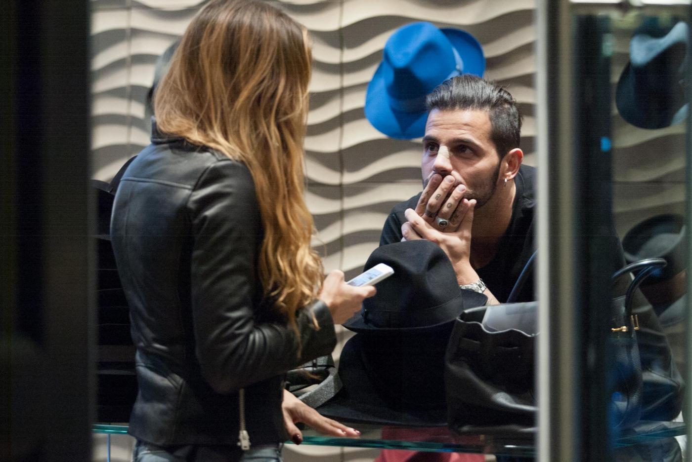 Alessio Lopasso e Roberta Bonfanti travolti dalla passione durante lo shopping08