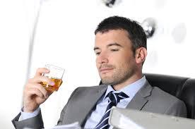 Fertilità maschile a rischio se si bevono alcolici regolarmente