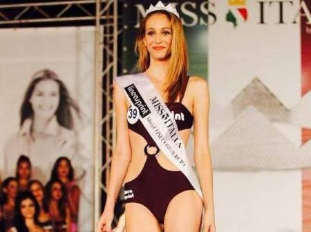 Donne in difesa: Miss coraggio Rosaria Aprea in tour contro violenza