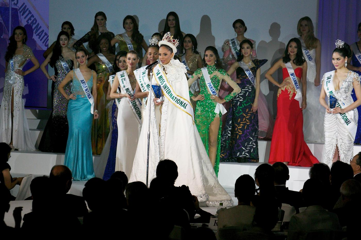 Valerie Hernandez Matias vince Miss International02
