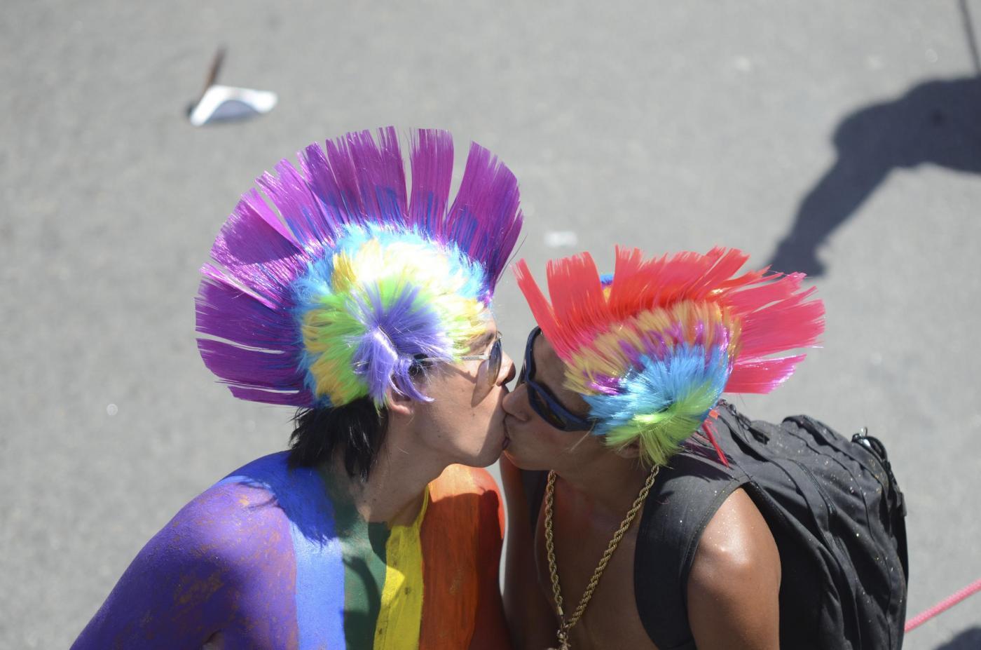 Gay Pride, un milione di persone sfilano e ballano a Rio de Janeiro11